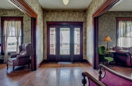 Gorgeous Historic Roaring 20s Mini Mansion (Olde House)