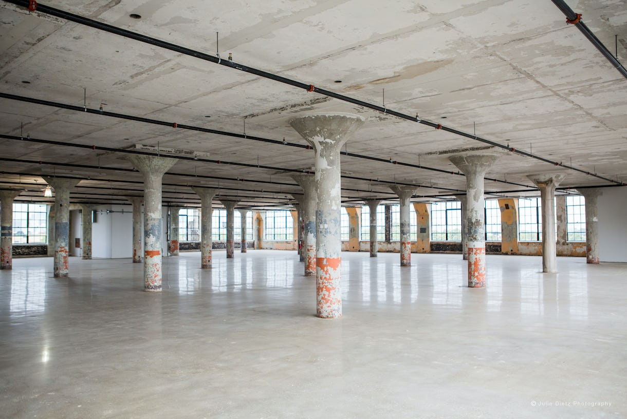 Raw Industrial Space in Landmark Venue