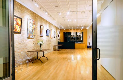 VERSATILE GALLERY IN  LOGAN SQUARE