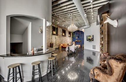 Chic Studio in Trendy River West