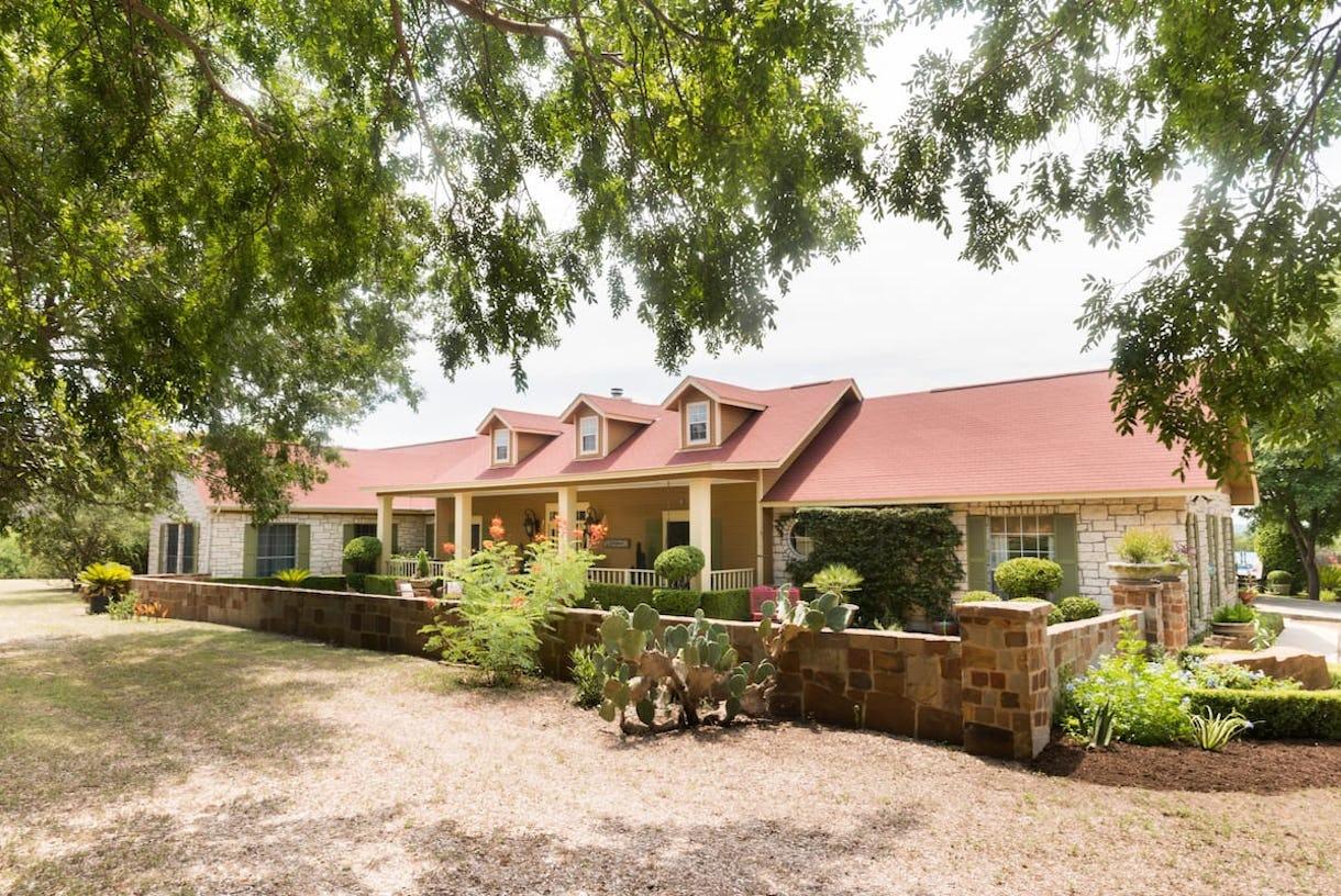 Elegant Villa in Hill Country