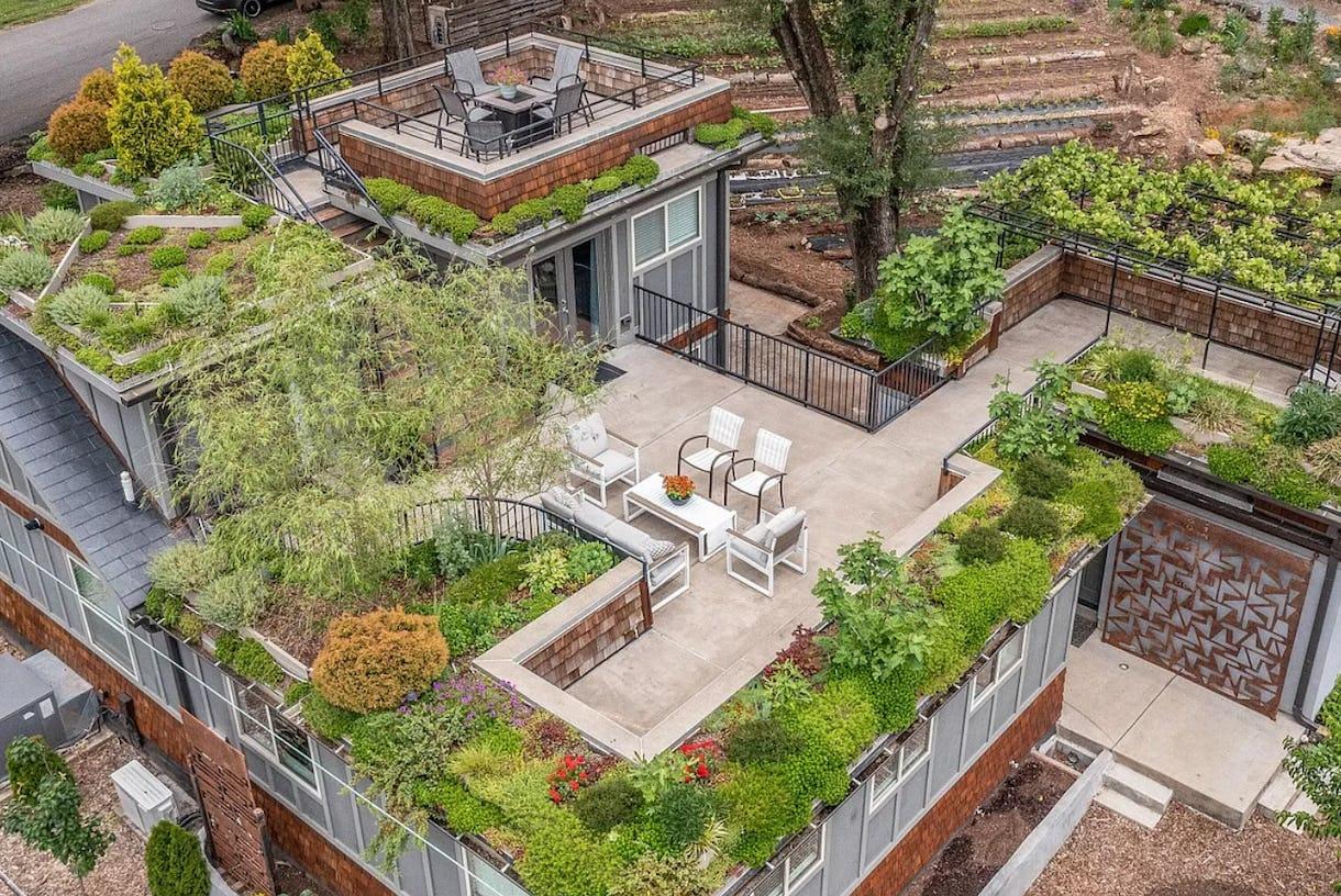 Sky Garden - Lush Multi-tier Rooftop Garden & Home