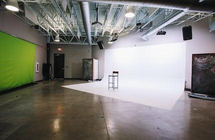DEAVOR - Photo Studio Shoot