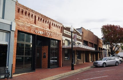 Unique Storefront in Historic Downtown Arts District for Business & Corporate Off-Site Gatherings
