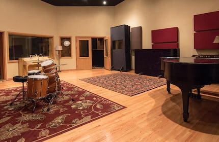 IV Lab Studios