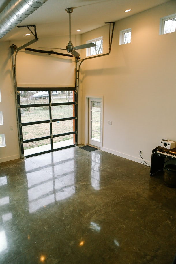 East Nashville Bright & Easy Studio Space