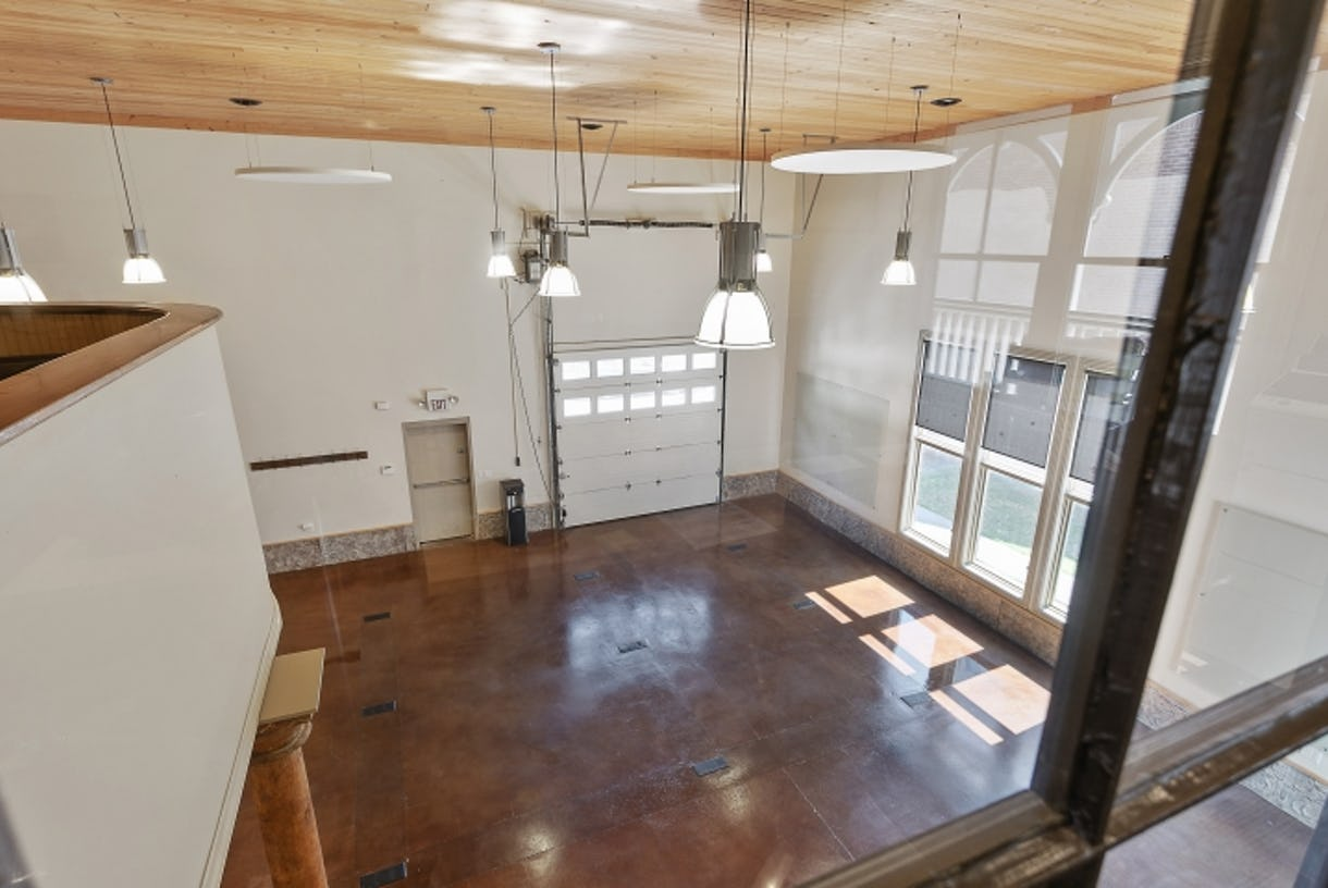 1212 Germantown Studio Meetings, Workshops, Retreats Film / Video Shoots with Outdoor Areas & Plentiful Parking