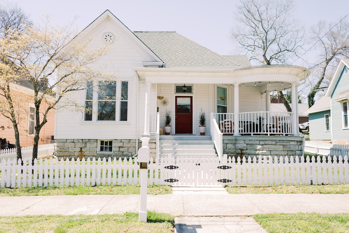 Light and Bright Historic Home 45 min South of Downtown Nashville
