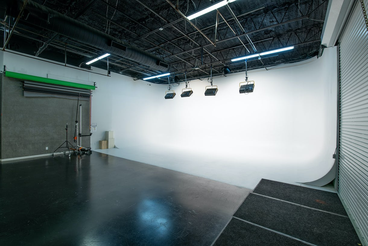 Studio 2 - Large White Cove at Camera Ready Studios